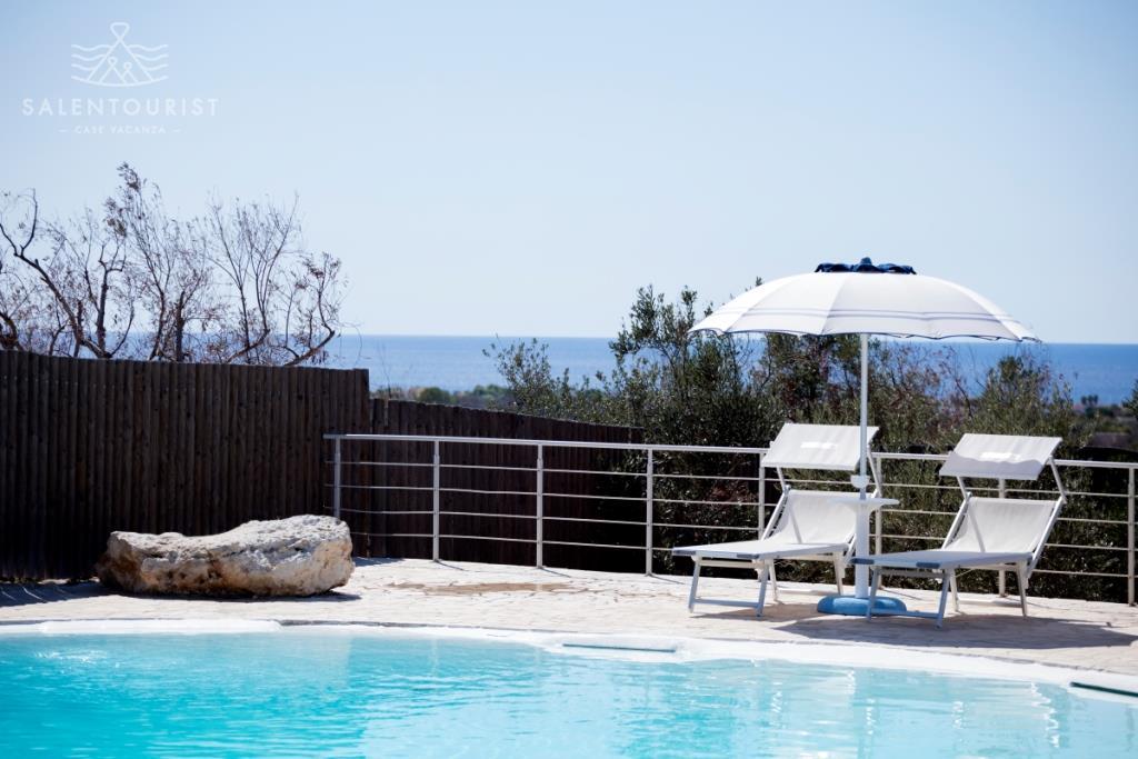 Salento alliste villa con piscina villa athena for Piscinas athena